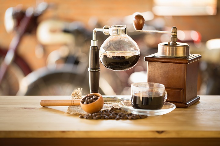 What Is Siphon Coffee: A Siphon Brewing Guide